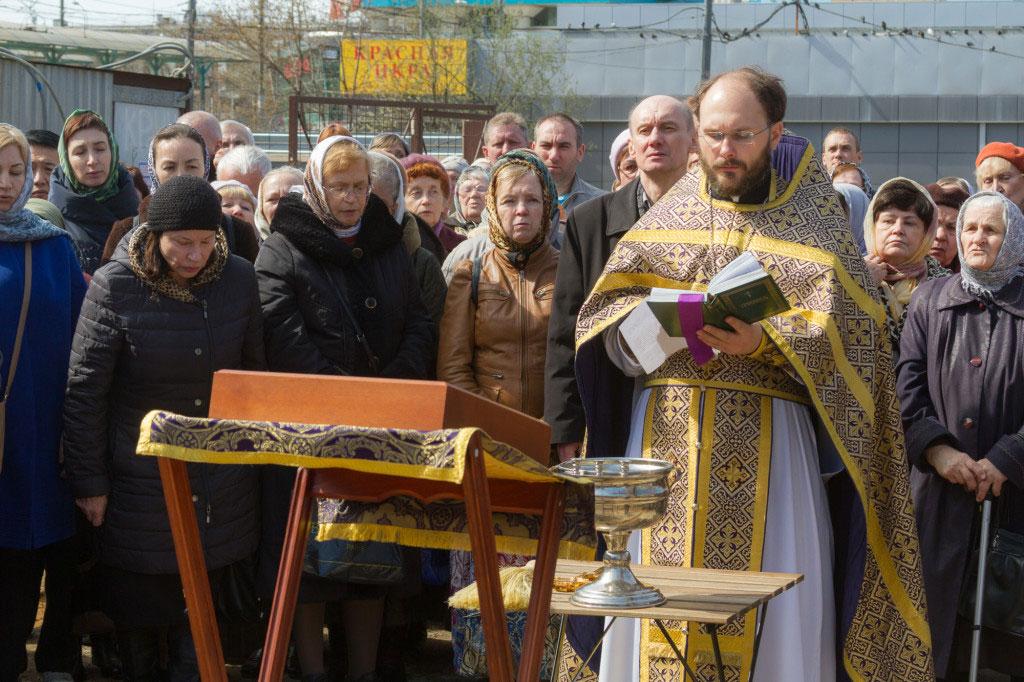 Молебен перед началом строительства нового храма
