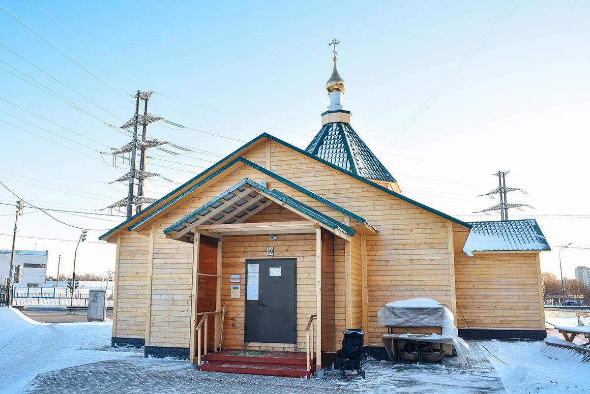 krestovozdvizhenskiy-hram-v-mitine